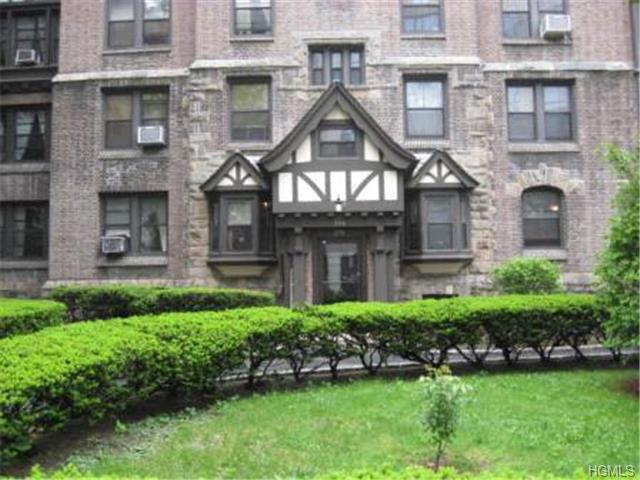 Rental Homes for Rent, ListingId:30913351, location: 240 Martine Avenue White Plains 10601