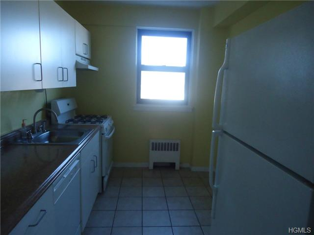 Rental Homes for Rent, ListingId:31264625, location: 210 Pelham Road New Rochelle 10801
