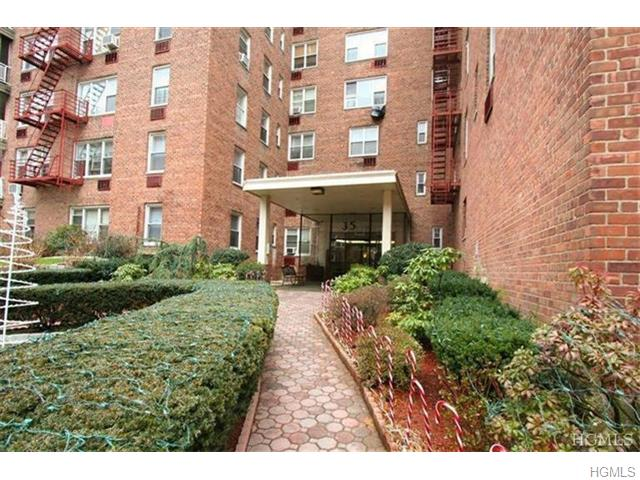 Rental Homes for Rent, ListingId:31325752, location: 35 East Hartsdale Avenue Hartsdale 10530