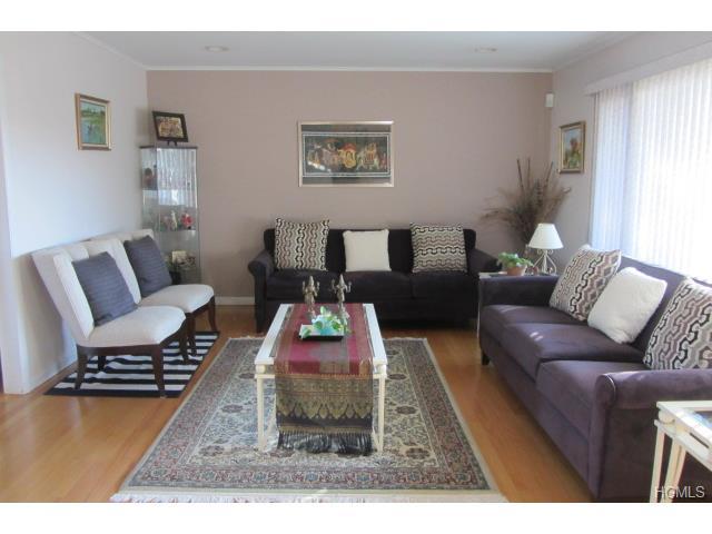 Rental Homes for Rent, ListingId:31313121, location: 1320 Langdon Lane Mamaroneck 10543