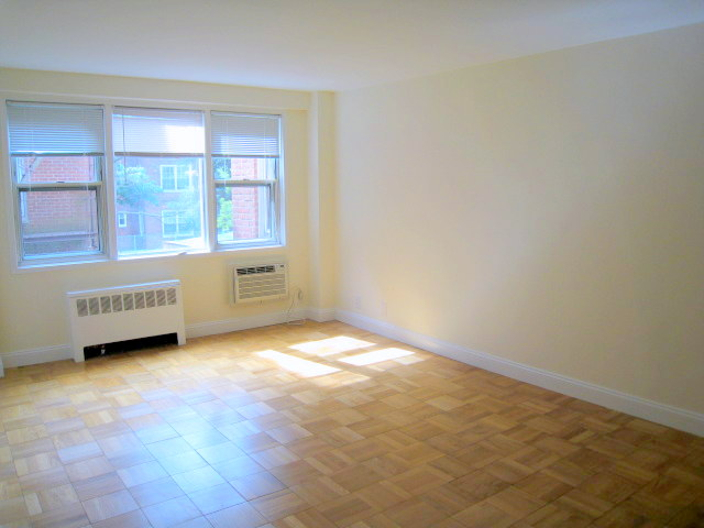 Rental Homes for Rent, ListingId:31387280, location: 1299 Palmer Avenue Larchmont 10538