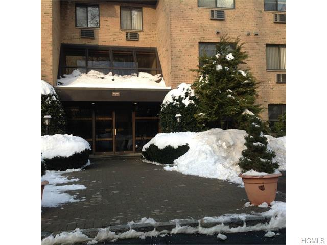Rental Homes for Rent, ListingId:31603528, location: 508 Central Park Avenue Scarsdale 10583