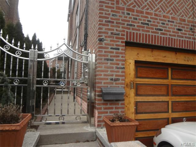 Rental Homes for Rent, ListingId:32260507, location: 2067 Hering Avenue Bronx 10461