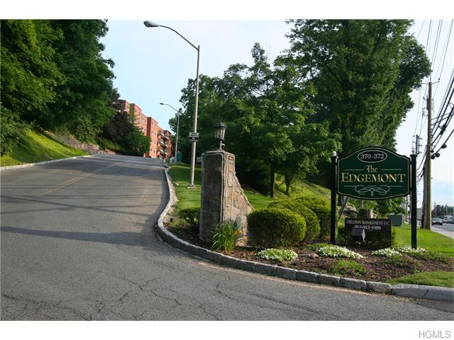 Rental Homes for Rent, ListingId:32390655, location: 370 Central Park Avenue Scarsdale 10583