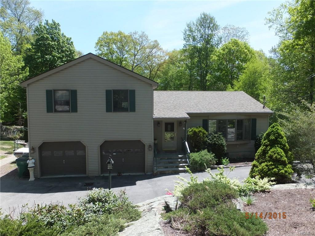58 Mountain Top Rd, Stormville, NY 12582