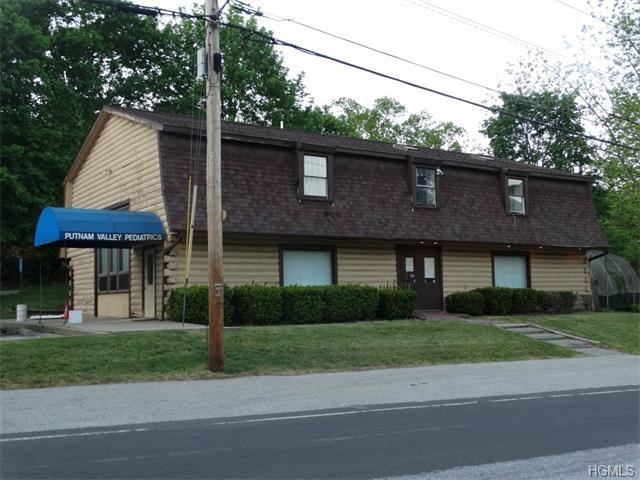 4 Morrissey Dr, Putnam Valley, NY 10579