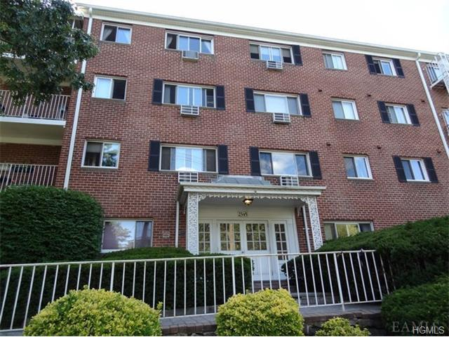 Rental Homes for Rent, ListingId:33959657, location: 2345 Palmer Avenue New Rochelle 10801