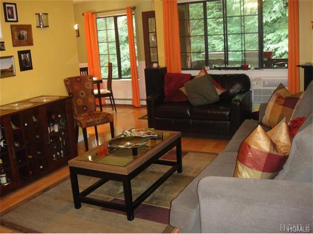 Rental Homes for Rent, ListingId:34018981, location: 65 Foxwood Circle Mt Kisco 10549
