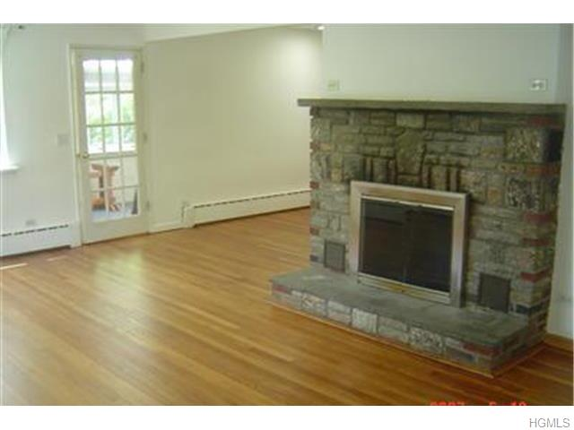 Rental Homes for Rent, ListingId:34036859, location: 306 Lake Drive Lake Peekskill 10537