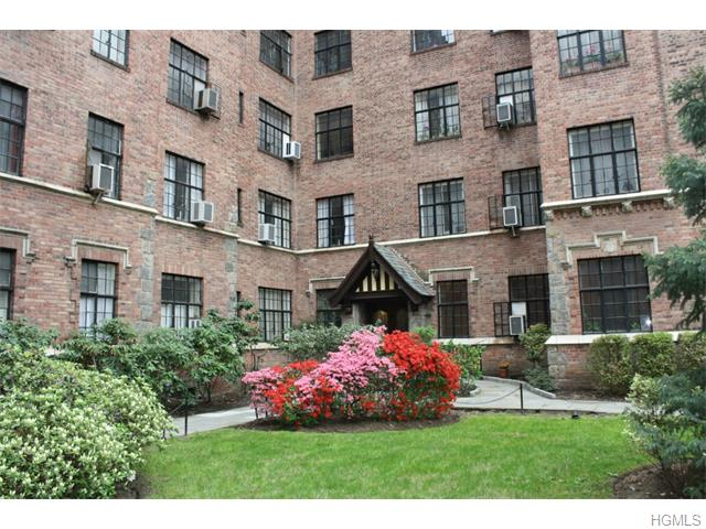 Rental Homes for Rent, ListingId:34148300, location: 292 Main Street White Plains 10601