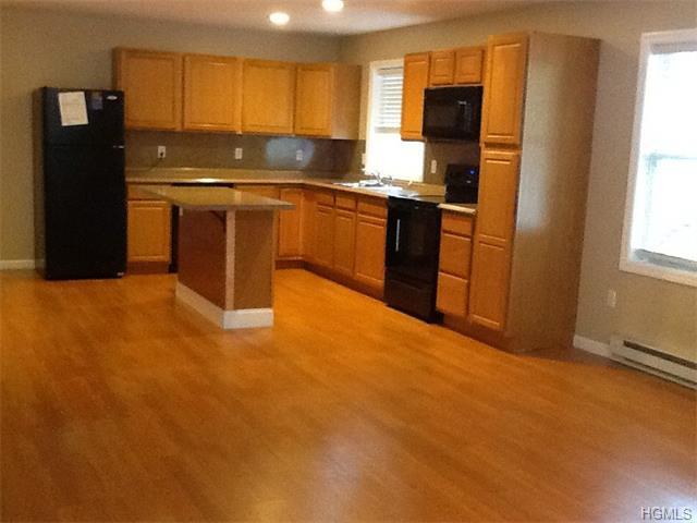Rental Homes for Rent, ListingId:34134548, location: 190 Myrtle Avenue Mahopac 10541