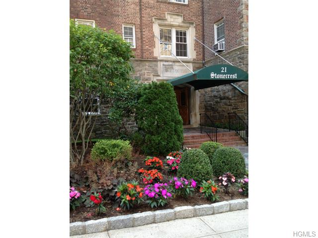 Rental Homes for Rent, ListingId:34170147, location: 21 North Chatsworth Avenue Larchmont 10538