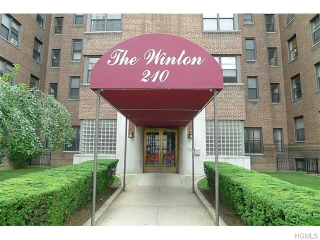 Rental Homes for Rent, ListingId:34223482, location: 210 Martine Avenue White Plains 10601