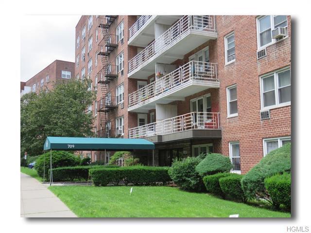 Rental Homes for Rent, ListingId:35169287, location: 709 Warburton Avenue Yonkers 10701