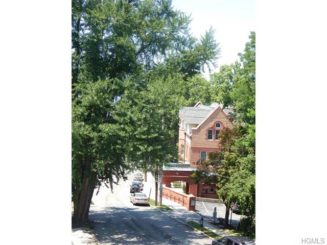 Rental Homes for Rent, ListingId:34624383, location: 38 Hamilton Place Tarrytown 10591