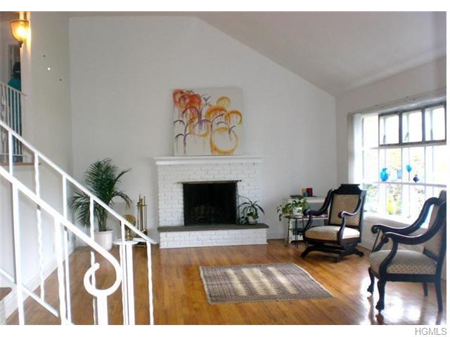 Rental Homes for Rent, ListingId:34875900, location: 25 Winchester Oval New Rochelle 10805