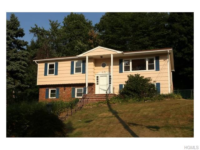 14 Rock Dr, Valley Cottage, NY 10989