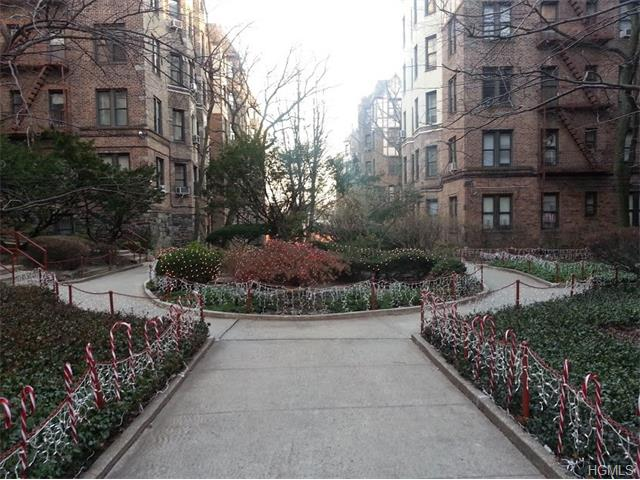 Rental Homes for Rent, ListingId:35270210, location: 756 Brady Avenue Bronx 10462