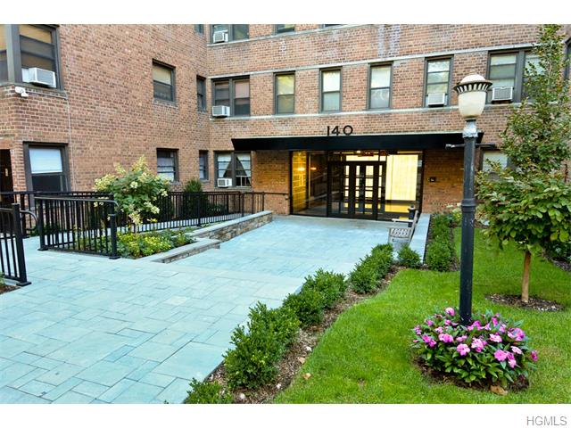 Rental Homes for Rent, ListingId:35348353, location: 140 East Hartsdale Avenue Hartsdale 10530