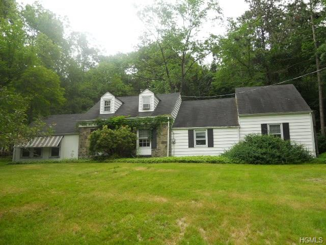35 Sayer Rd, Blooming Grove, NY 10914