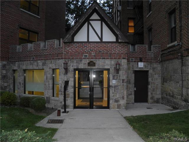 Rental Homes for Rent, ListingId:35895863, location: 1465 Midland Avenue Yonkers 10708