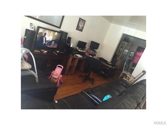 919 E 215th St, Bronx, NY 10469