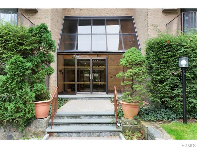 Rental Homes for Rent, ListingId:36363620, location: 500 Central Park Avenue Scarsdale 10583