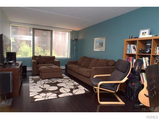 Rental Homes for Rent, ListingId:36487328, location: 4 Martine Avenue White Plains 10606