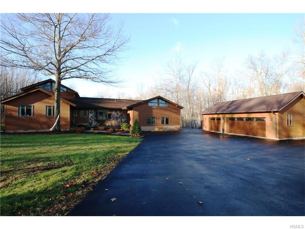 2225 State Route 300, Wallkill, NY 12589