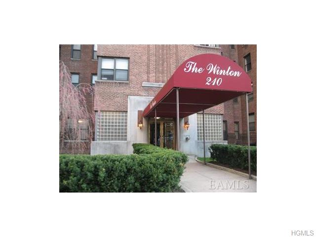 Rental Homes for Rent, ListingId:36951510, location: 210 Martine Avenue White Plains 10601