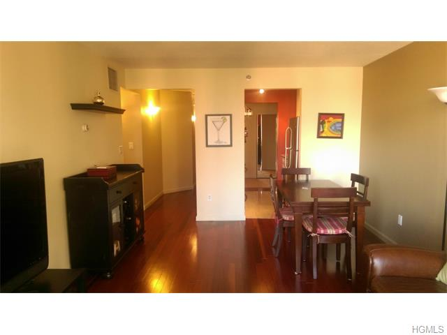 Rental Homes for Rent, ListingId:36951492, location: 4 Martine Avenue White Plains 10606