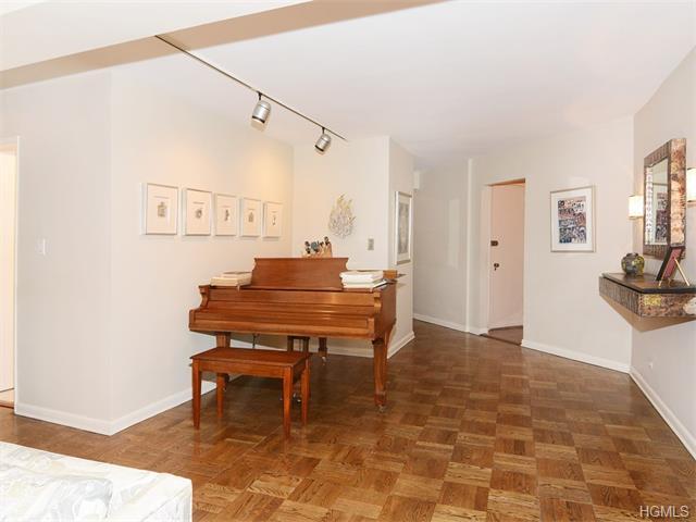 Real Estate for Sale, ListingId: 37004671, Bronx,NY10463