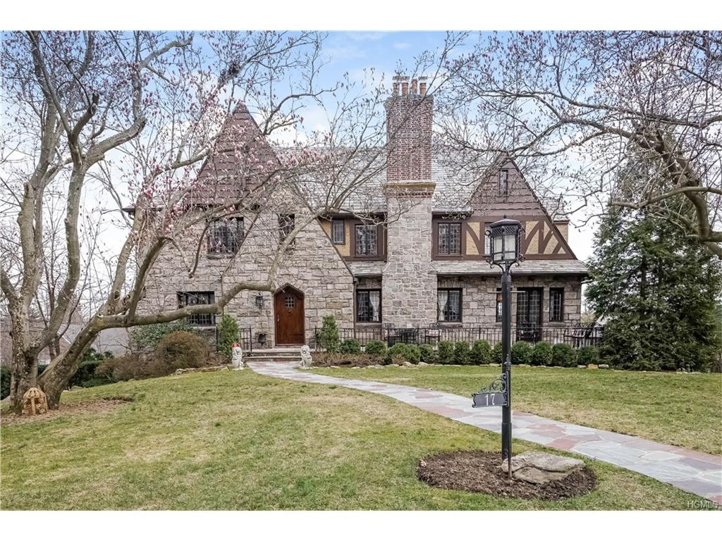 17 Forbes Blvd, Eastchester, NY 10709