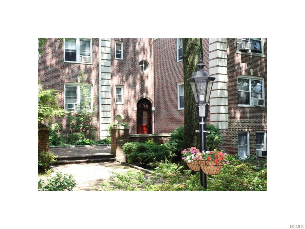 764 Palmer Rd, Bronxville, NY 10708