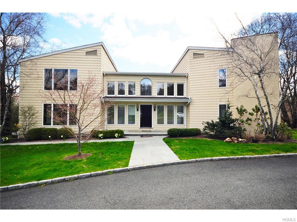 Photo of 1   Meadowwood Lane  Rye  NY