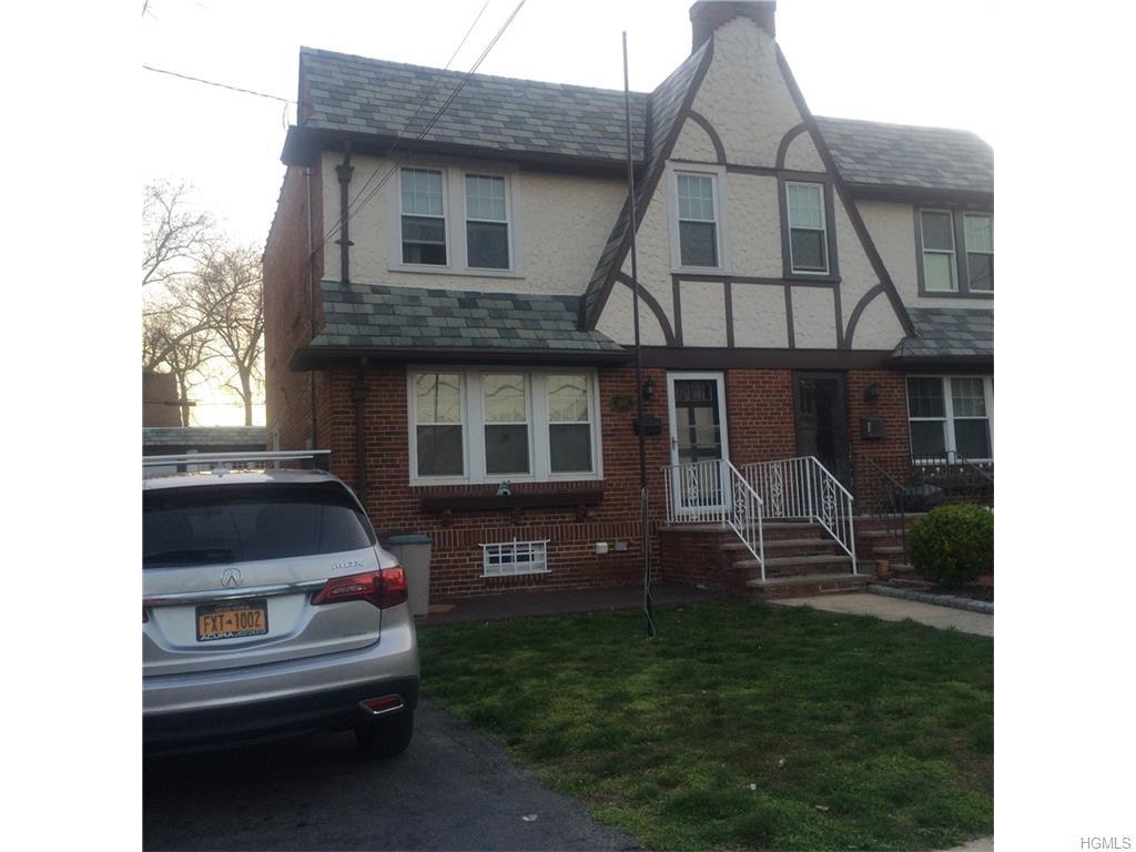 1945 Narragansett Ave, Bronx, NY 10461