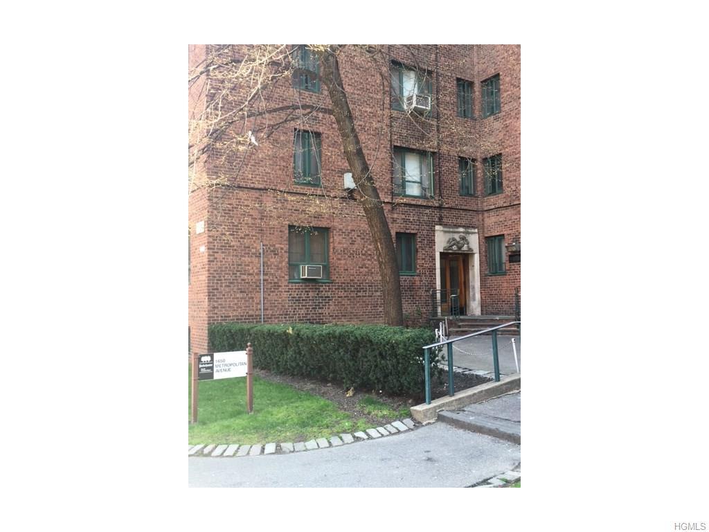 1640 Metropolitan Ave, Bronx, NY 10462
