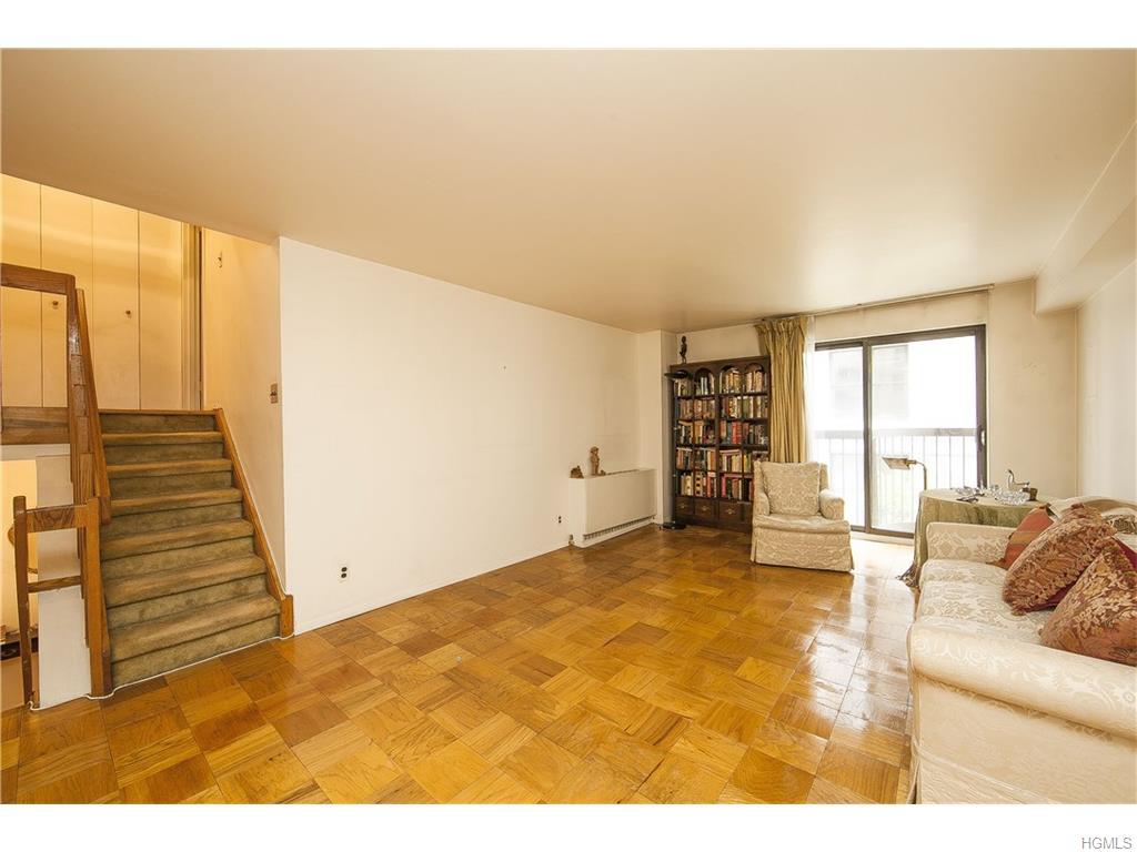 7 E 35th St, New York, NY 10016