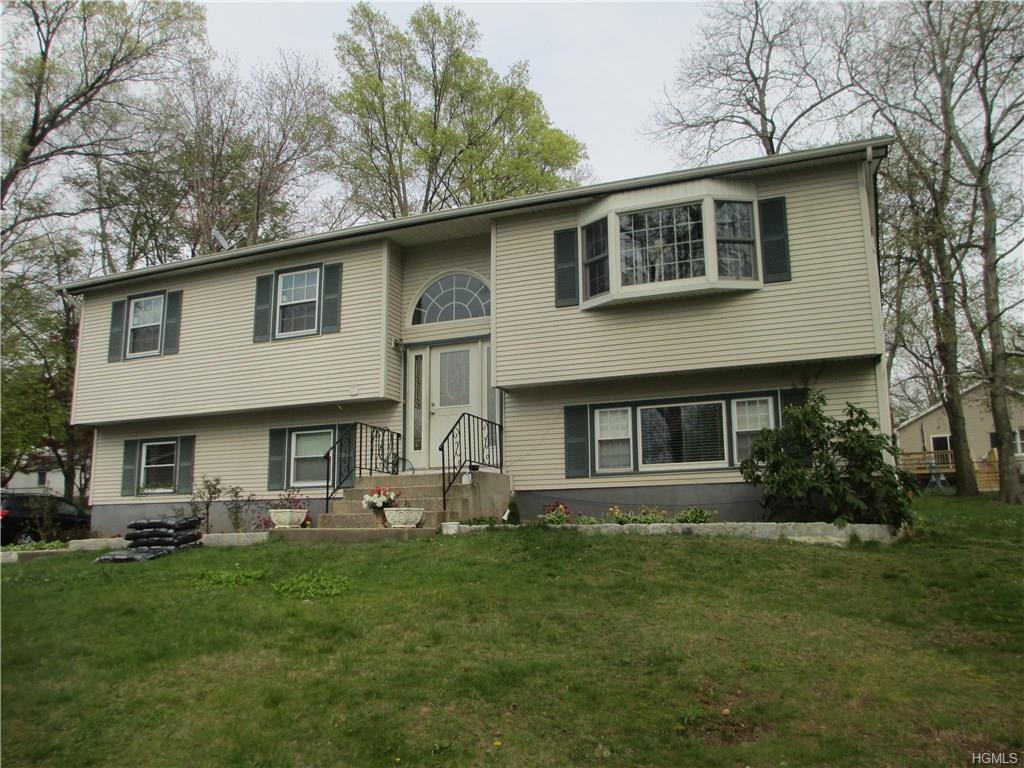 26 Kathryn Ln, Valley Cottage, NY 10989