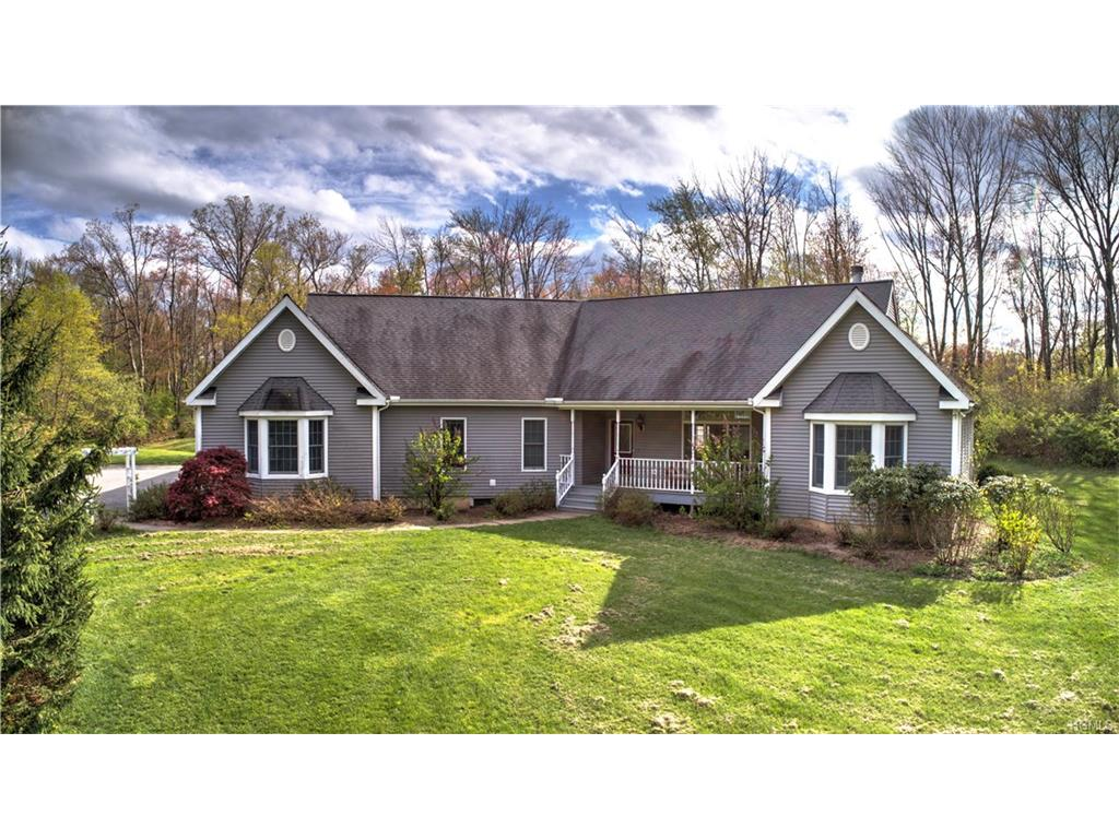 25 Anderson Rd, Pawling, NY 12564