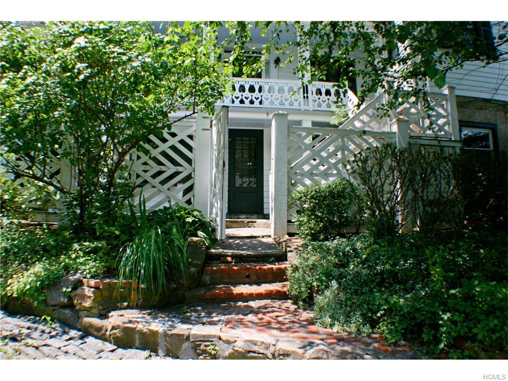 20 Washington Spring Rd, Palisades, NY 10964