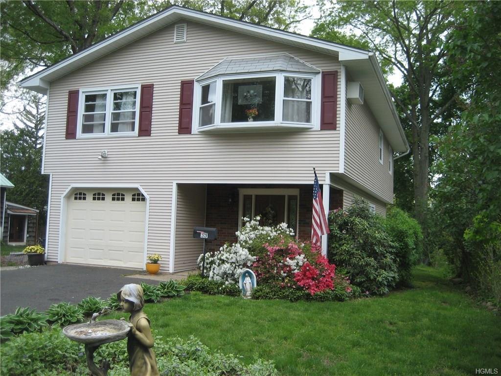 39 Hillcrest Rd, Suffern, NY 10901