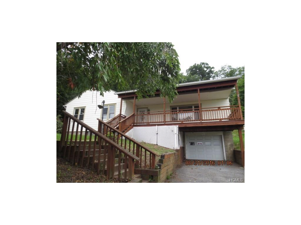 33 Meadow Ave, Chester, NY 10918