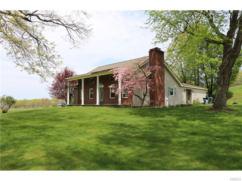 78 Tuthill Rd, Blooming Grove, NY 10914