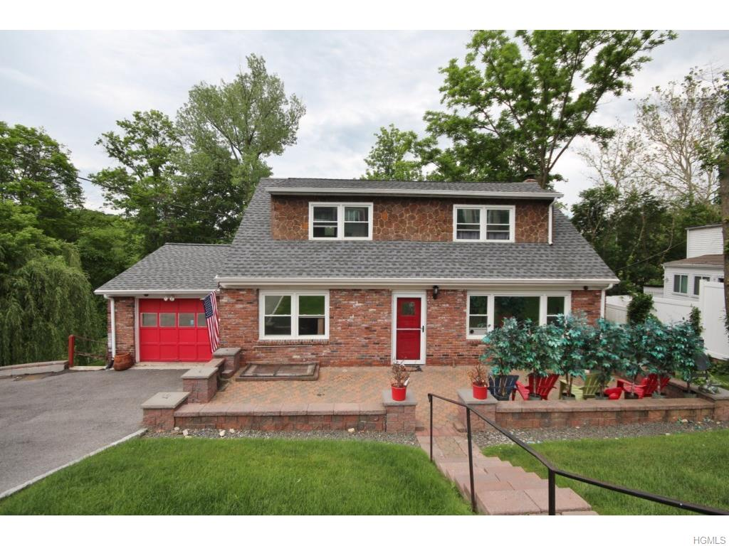 76 Edgepark Rd, White Plains, NY 10603