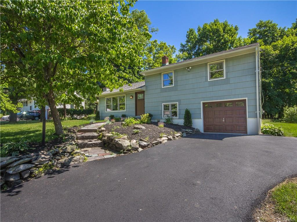 Photo of 5   Mountain View Drive  Pleasant Valley  NY