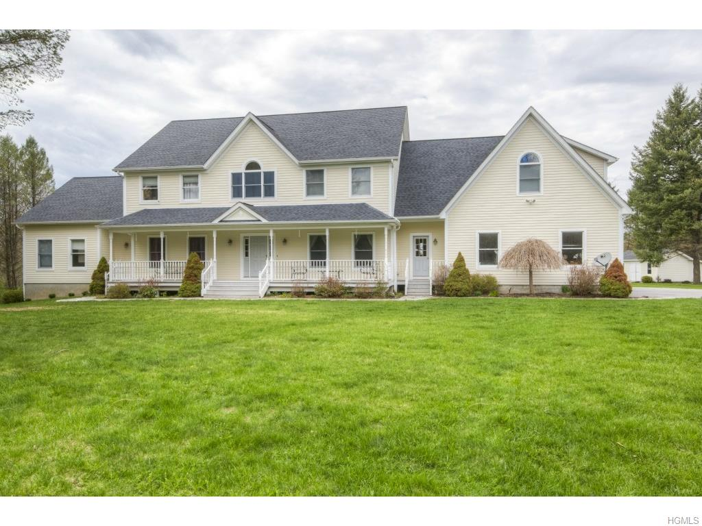 217 Rombout Rd, Pleasant Valley, NY 12569