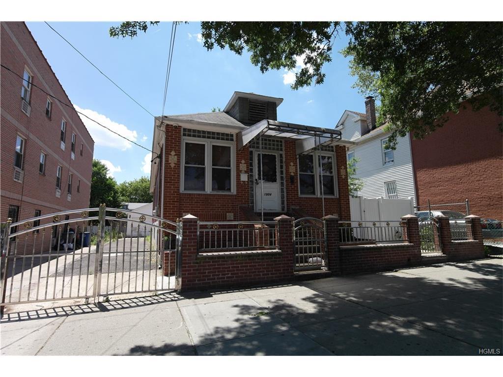1904 Lacombe Ave, Bronx, NY 10473