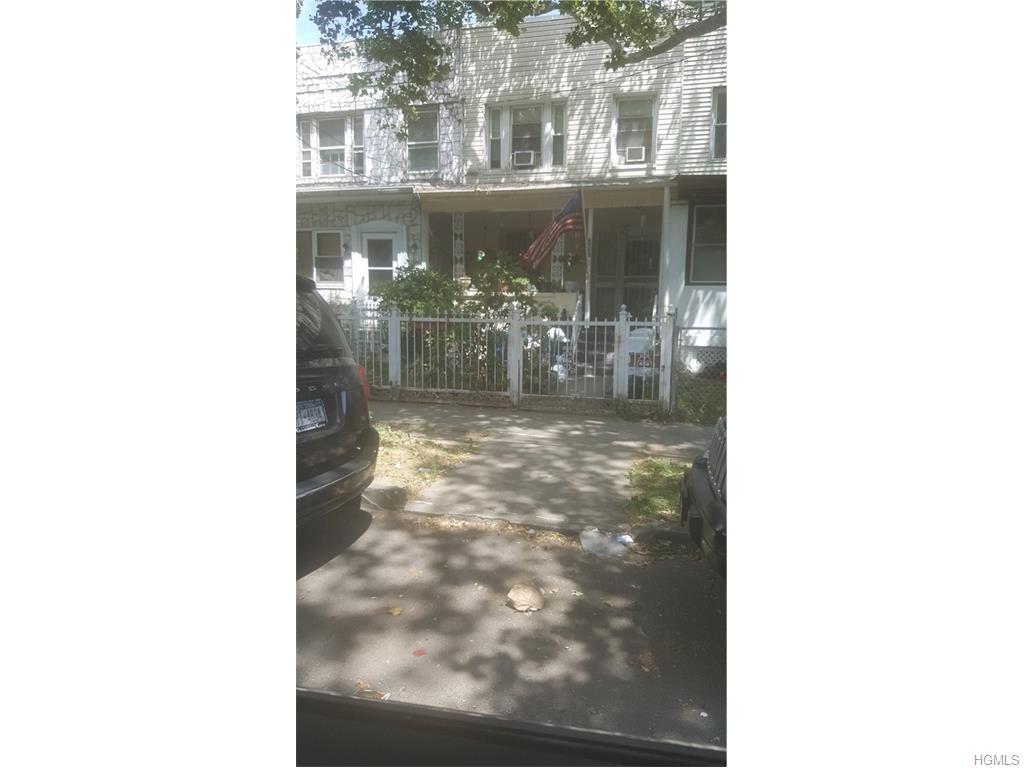 Photo of 3718   Dyre Avenue  Bronx  NY