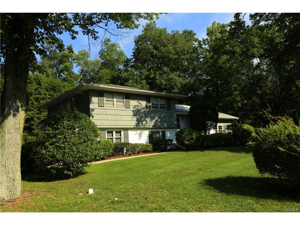 54 Sickletown Rd, West Nyack, NY 10994